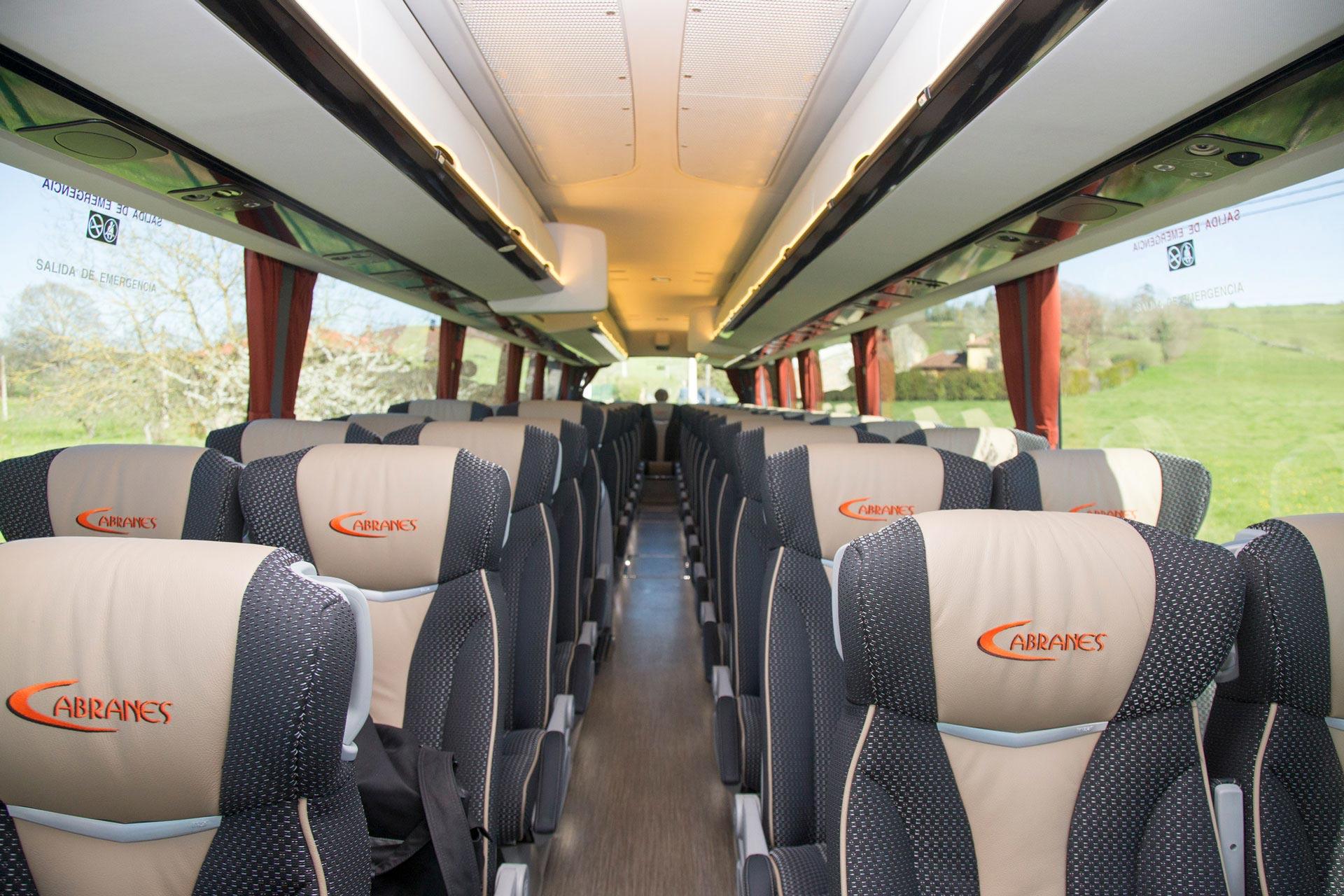 Interior autobús de más de 55 plazas