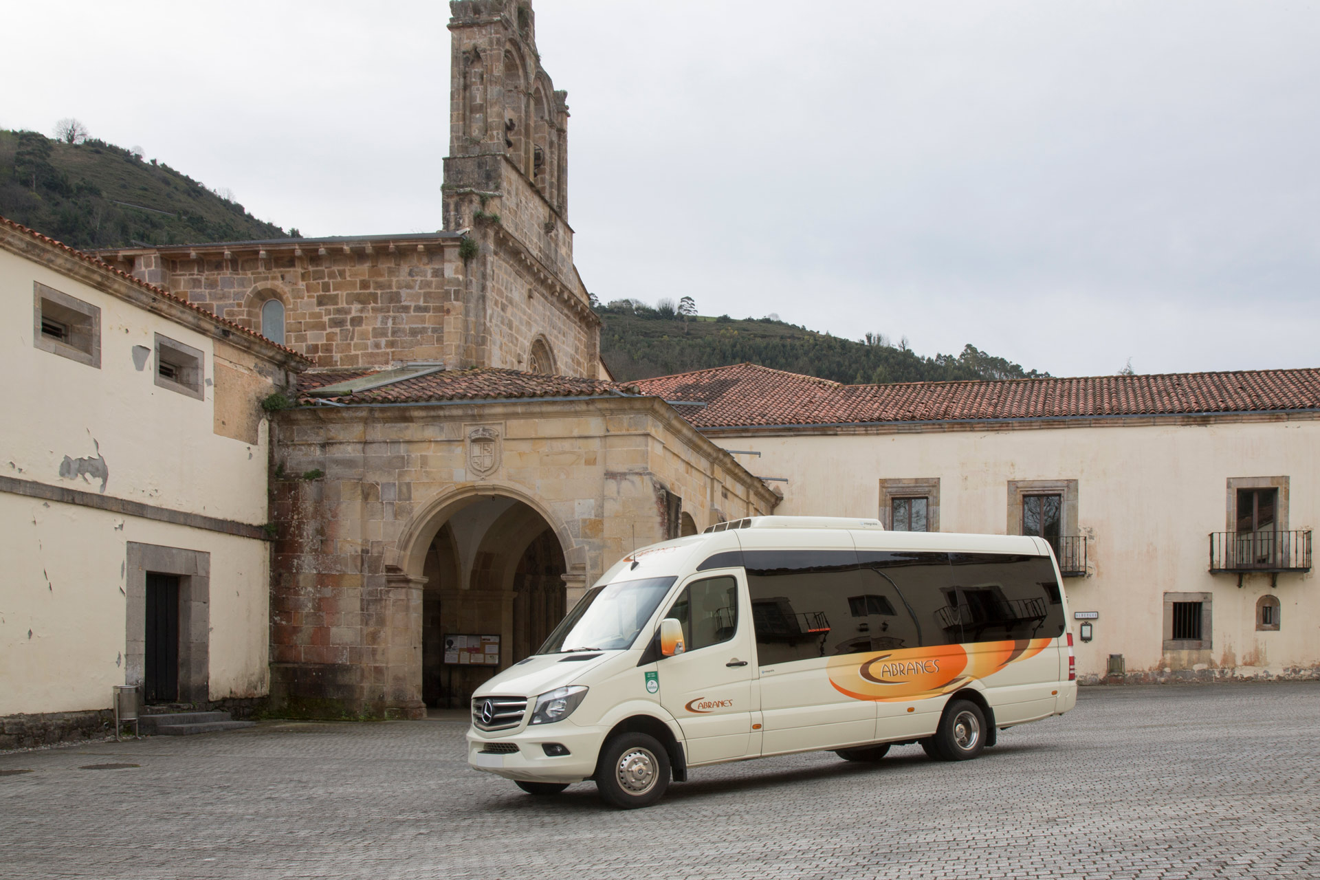 Alquiler de microbuses de lujo en Asturias