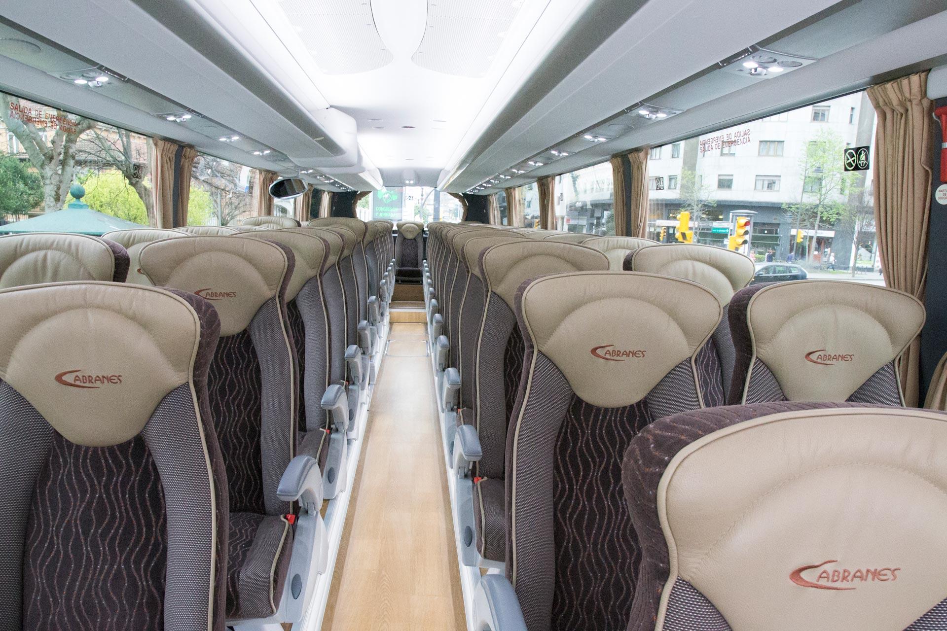 Interior de autocar hasta 55 plazas